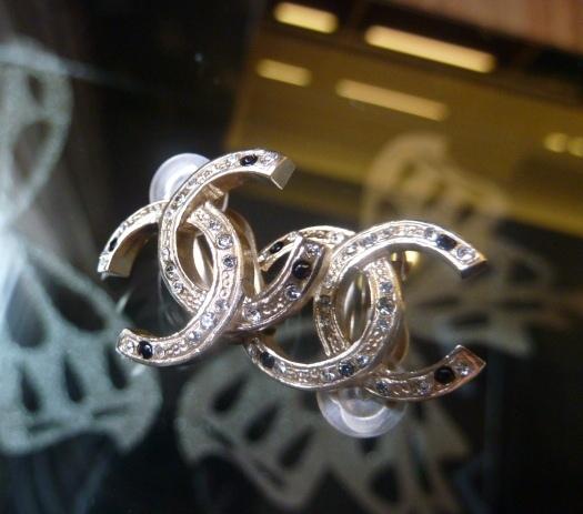 MS2652 Bông tai Chanel ánh vàng đính đá