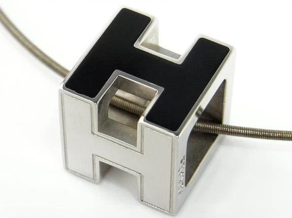 MS2725 Vòng cổ Hermes H cube màu đen