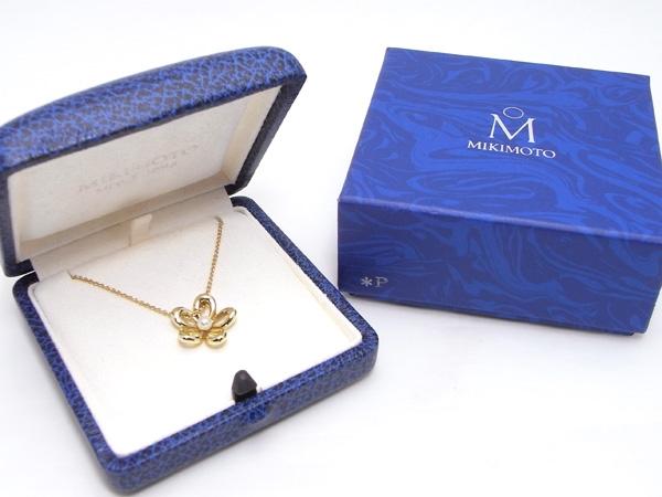 Vòng cổ ngọc trai nhỏ Mikimoto hình hoa