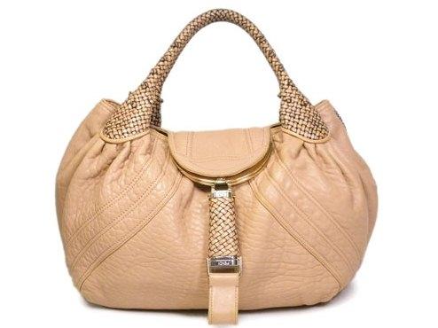 Túi xách Fendi màu kem hồng