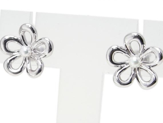 Bông tai Mikimoto hoa ngọc trai K18WG