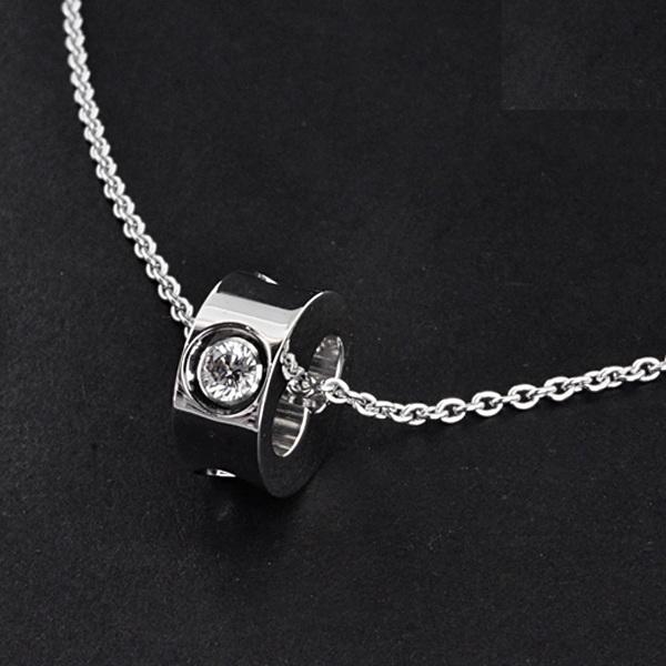 Vòng cổ Louis Vuitton 750WG kim cương