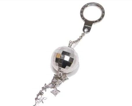 Móc chìa khóa Louis Vuitton hình cầu M65378