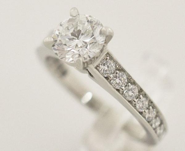Nhẫn Cartier kim cương 0.92ct nước E