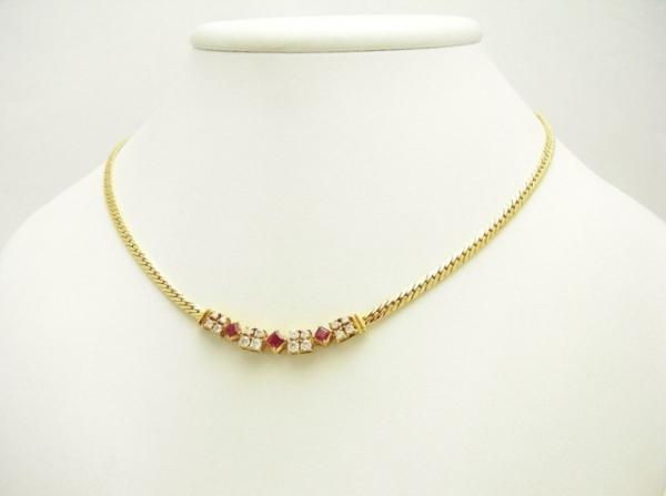 Vòng cổ Mikimoto K18YG ruby 0.68ct kim cương 0.72ct
