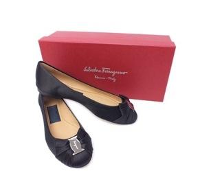 NEW Giày Ferragamo màu đen PINKY