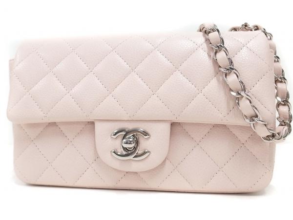 Túi xách Chanel màu hồng nhạt