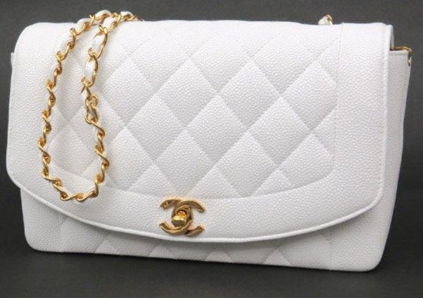 SA Túi xách Chanel màu trắng khóa vàng
