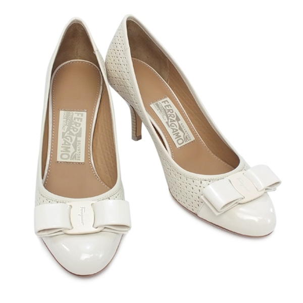 NEW Giày Ferragamo carla trắng size 8C