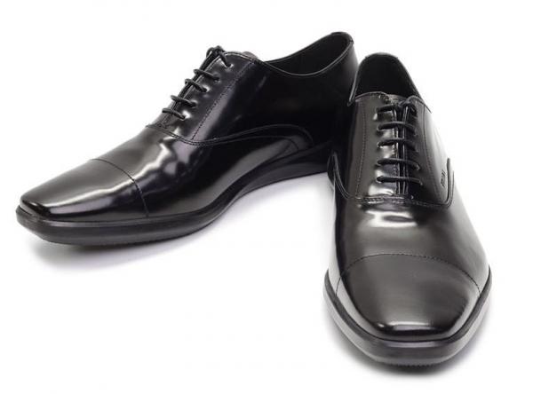 S Giày Prada màu đen size 6 1/2