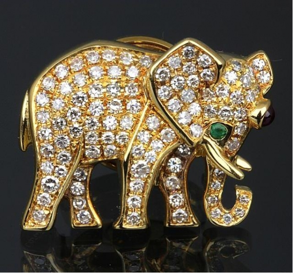 Trâm cài áo Cartier K18YG kim cương con voi