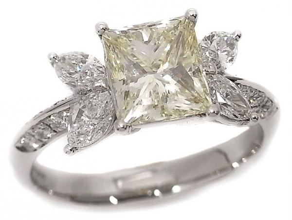 Nhẫn Pt900 kim cương 2.016ct