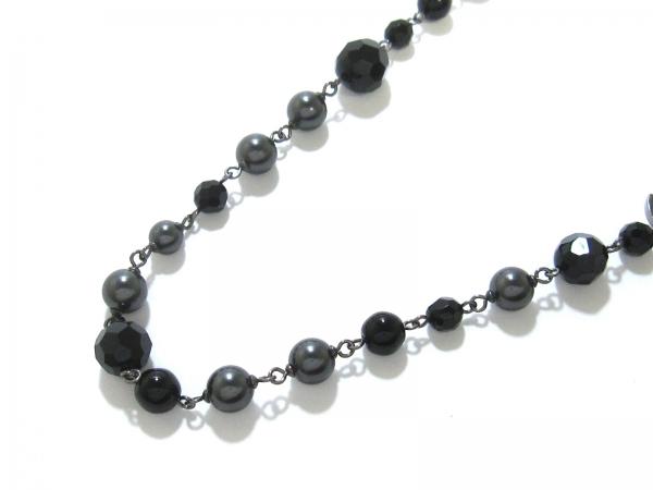 Vòng cổ Chanel ngọc trai màu xám đen