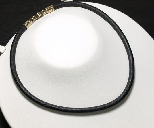 Vòng cổ Bvlgari vàng K18YG dây da đen