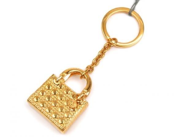 Móc khóa Christian Dior màu vàng