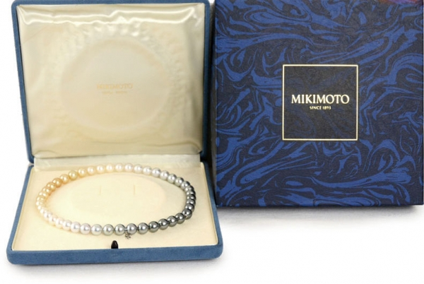 Vòng cổ ngọc trai đa sắc màu Mikimoto 43cm