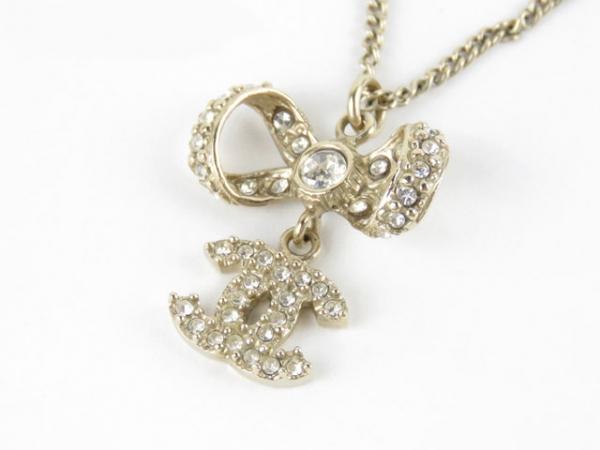 Vòng cổ Chanel Nơ đính đá 12P