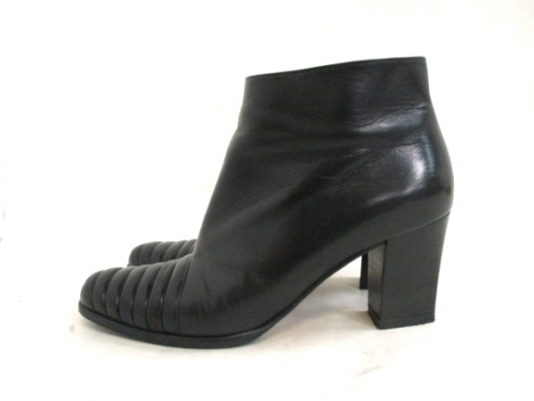 Boot da Ferragamo size 7B đen