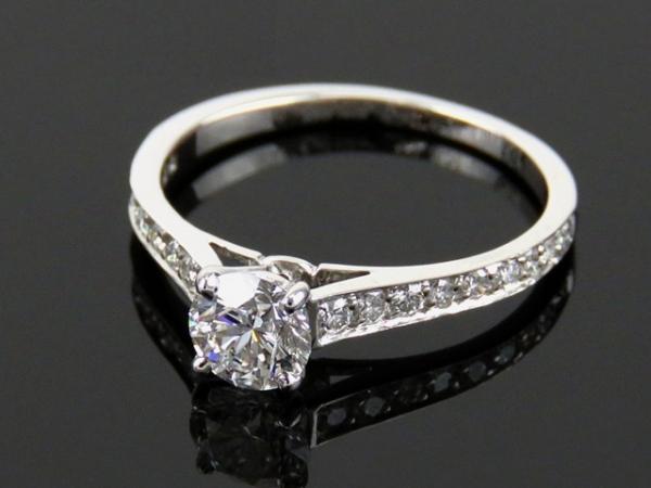 S Nhẫn Cartier Pt950 kim cương 0.51ct size 49