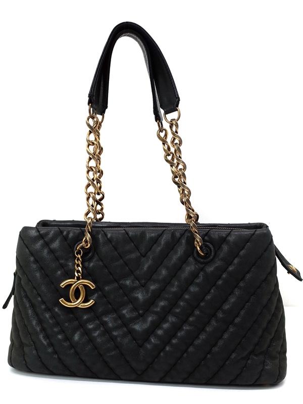 Túi xách Chanel màu đen