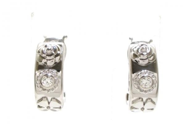 Bông tai Chanel K18WG kim cương màu bạc