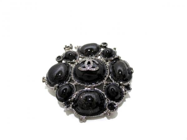 SA Trâm cài áo Chanel màu đen