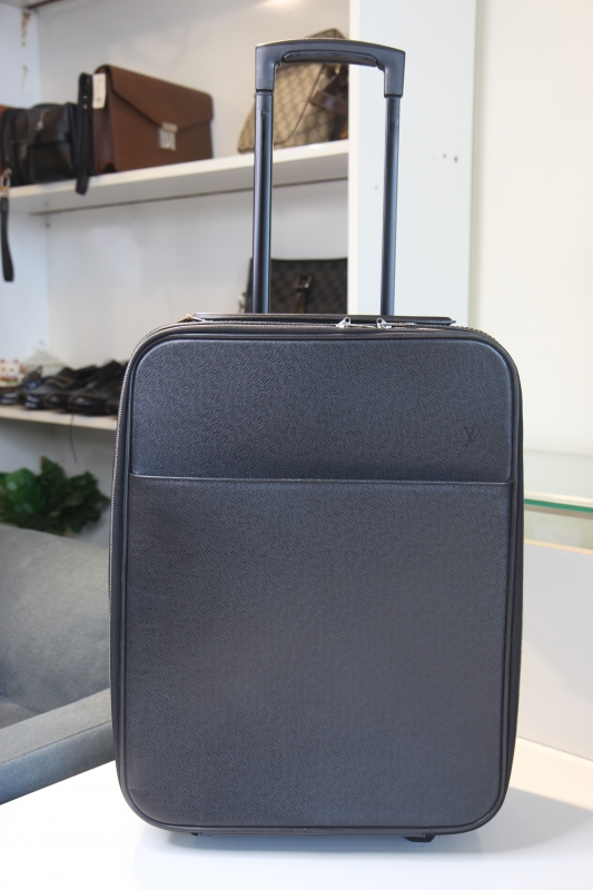 VL03 Vali Louis Vuitton taiga đen xám size 45
