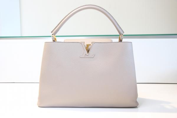 MS Túi Louis Vuitton capucines MM hồng phấn