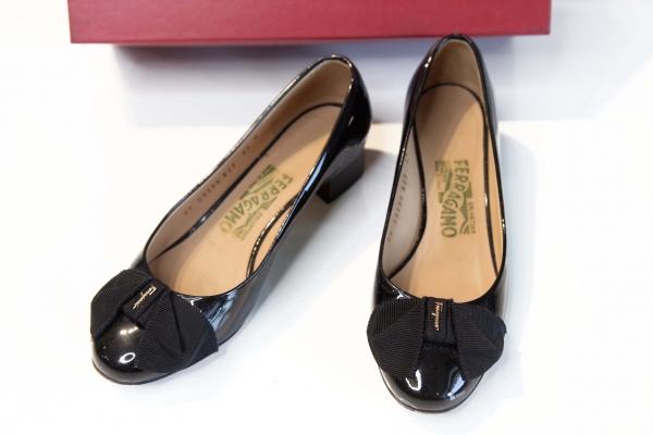 MS Giày Salvatore Ferragamo nơ đen bóng 5.5B