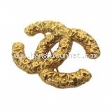 Cài áo Chanel logo vàng