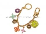 Móc chìa khóa Louis Vuitton màu vàng
