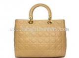 Túi xach Christian Dior của nữ màu kem