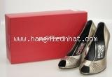 Giày Ferragamo size 8 màu xám bạc