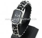 Đồng hồ Chanel màu bạc L