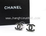 Sa Bông tai Chanel đính đá đen