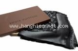 Khăn Louis Vuitton monogram len lụa đen metallic