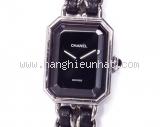 Đồng hồ Chanel màu bạc dây da M