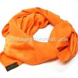Khăn Louis Vuitton màu cam