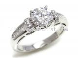 Nhẫn PT900 kim cương 1.001ct size 10