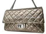 Túi Chanel màu ánh bạc