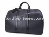 Túi Louis Vuitton taiga du lịch màu đen M30122