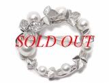 Trâm cài áo Mikimoto K18WG kim cương ngọc trai