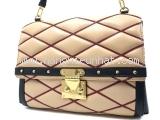 Túi xách Louis Vuitton kem đen M50004
