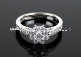 Nhẫn kim cương Tiffany & Co hình hoa