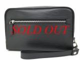 Túi cầm tay Louis Vuitton màu đen M54172