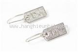 Bông tai Christian Dior màu bạc