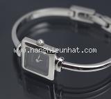 MS5011 Đồng hồ Gucci 1900L mặt đen vuông -MS5011-Dong-ho-Gucci-1900L-mat-den-vuong