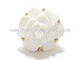 Nhẫn Chanel K18YG bông hoa trà màu trắng size 11
