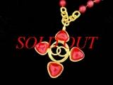 Vòng cổ Chanel logo màu vàng đỏ