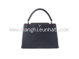Túi Louis Vuitton Capucines MM màu đen M94535